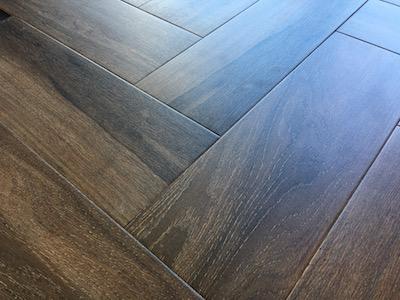 Dark Wood Effect Tiles Under 20 00 A Metre